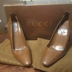 Authentic Gucci women's shoes size 38c